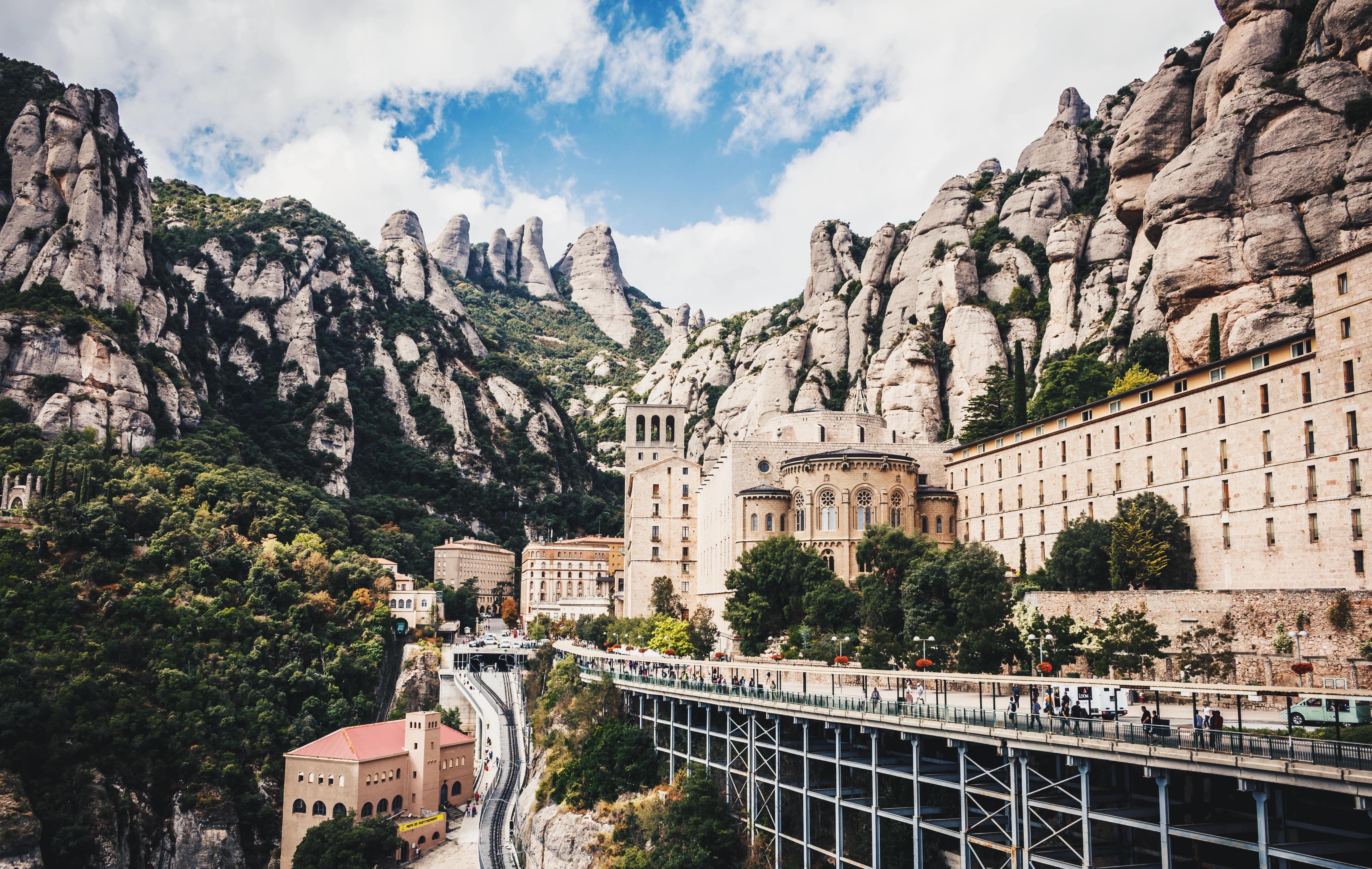 day-trips-around-barcelona-montserrat.jpg