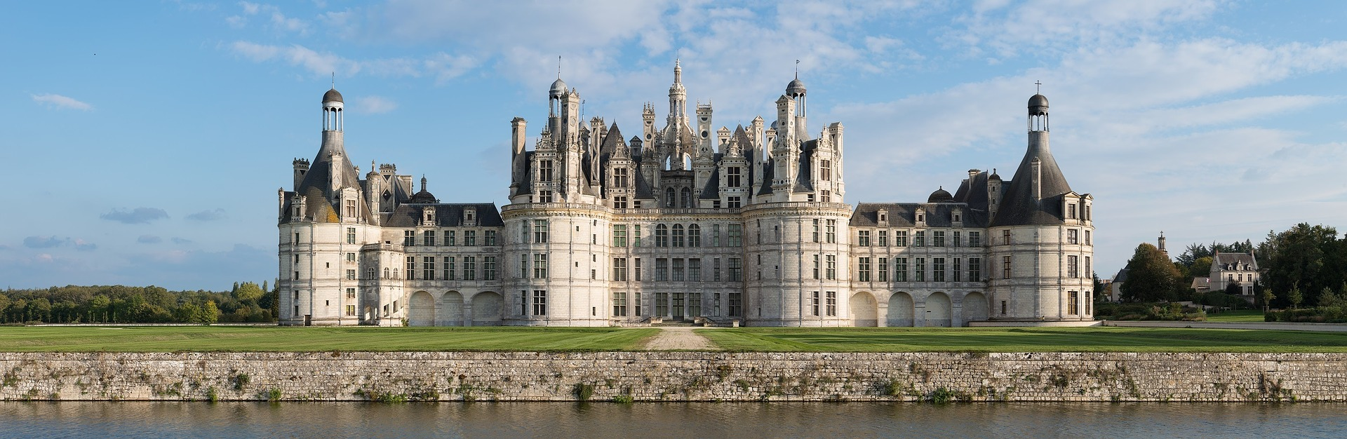 chateau-chambord-1088272_1920.jpg