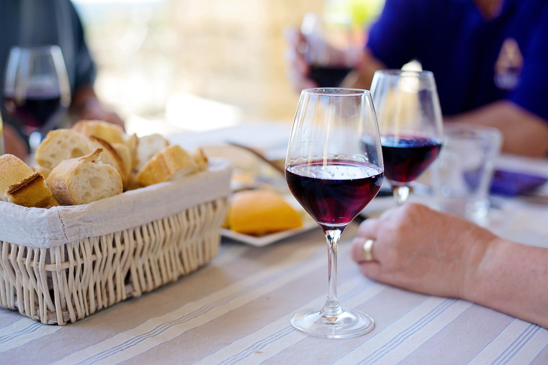 red-wine-1433498_1920.jpg