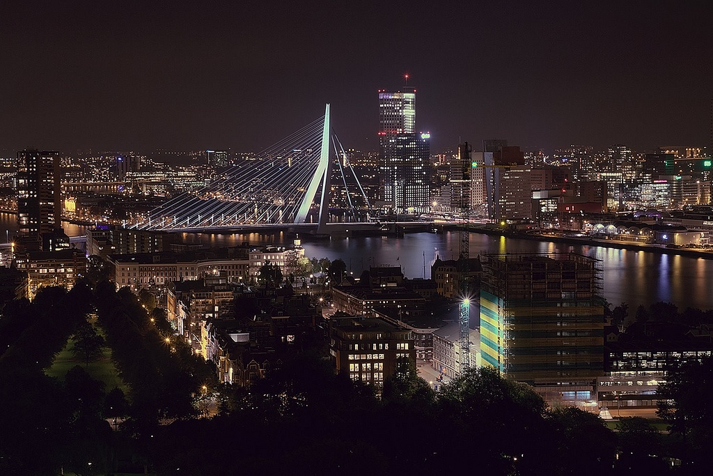 Rotterdam_by_night_from_Euromast