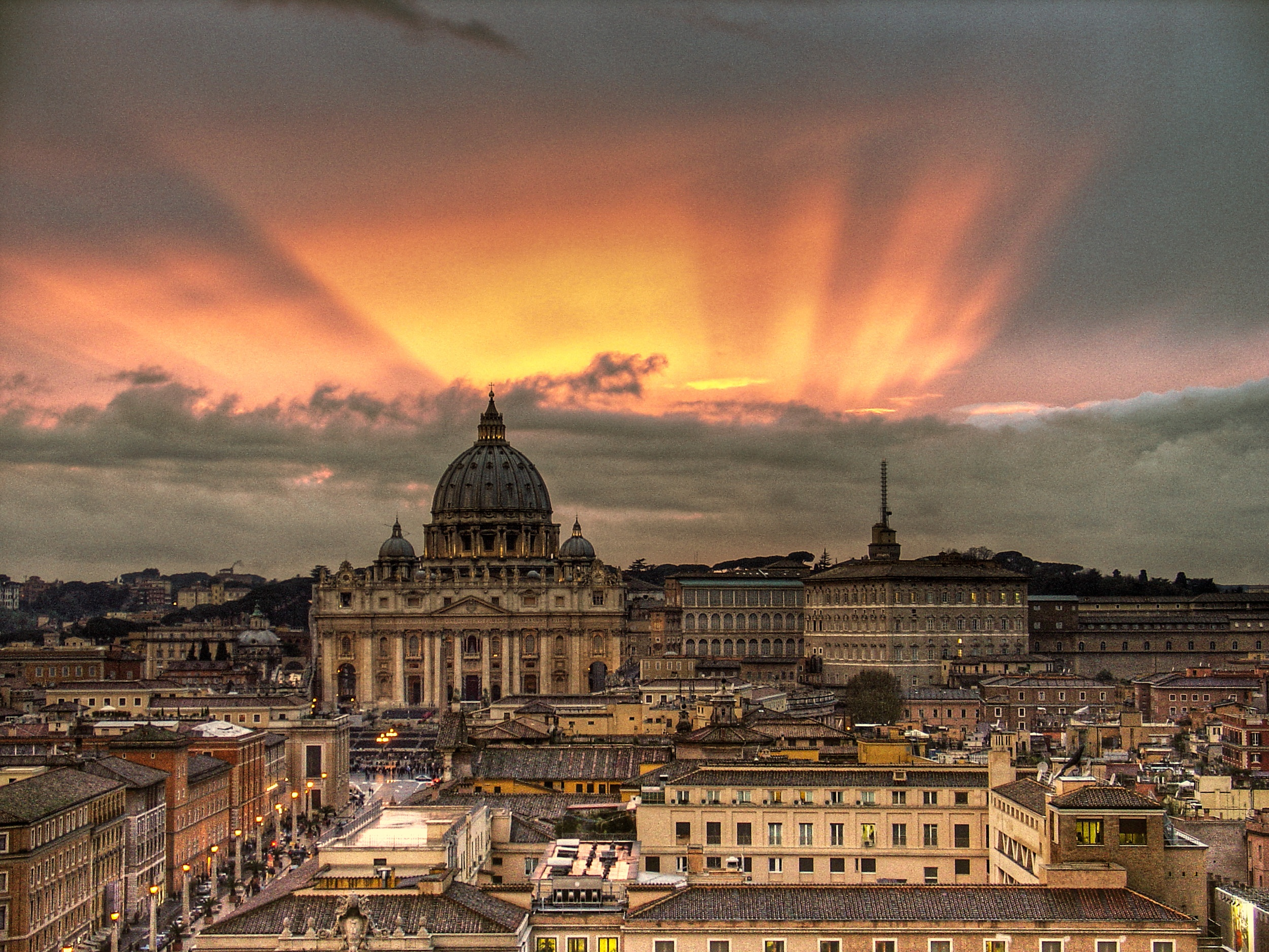 Vatican_Sunset_-_Rome,_Italy_-_Easter_2008